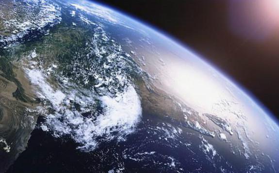 """俄罗斯宇宙射线卫星探测到高空神秘""""光线爆炸"""""""
