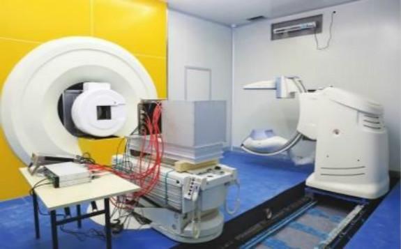 首台国产医用重离子加速器系统开始临床试验治疗
