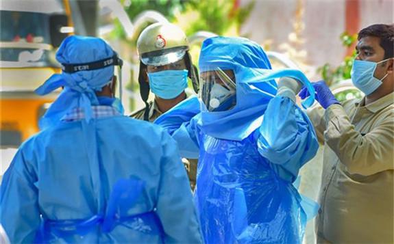科学家开发出便携式消毒装置对PPE进行消毒