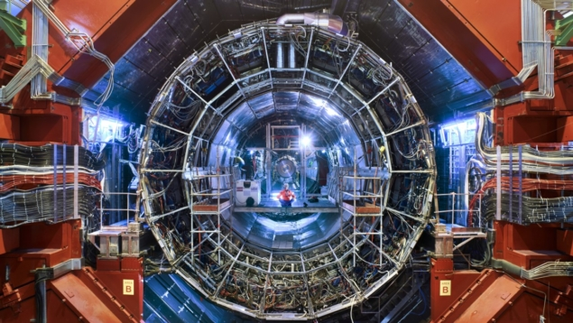 CERN的外来超子与质子相互作用