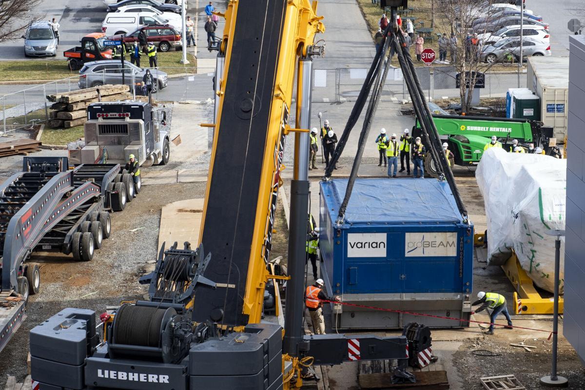 220吨回旋加速器交付兰开斯特综合医疗研究所癌症中心
