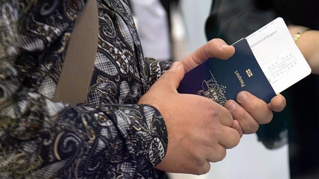 光学相干断层扫描成像技术可以辨识伪造旅行证件