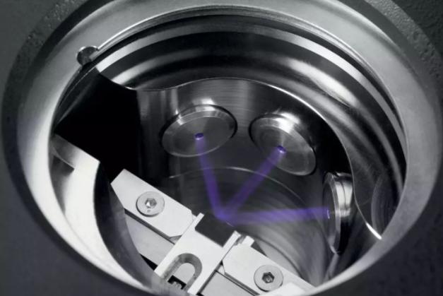 离子束断层扫描技术使纳米亚细胞成像成为可能
