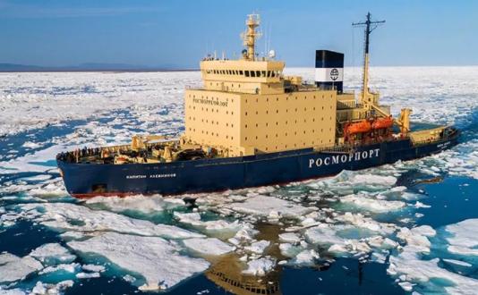 """俄罗斯22220型核动力破冰船""""楚科奇""""号将于2021年下水"""