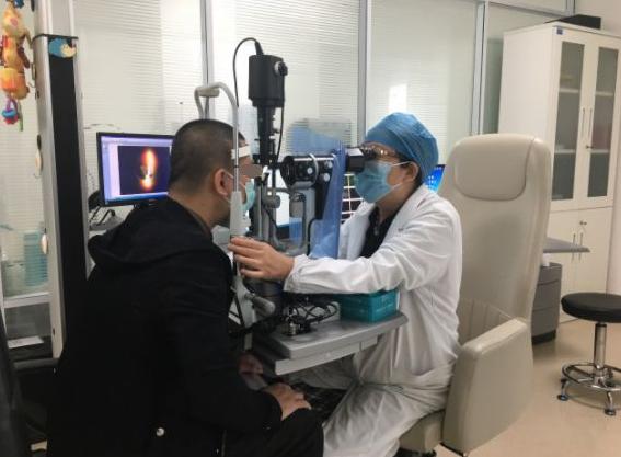 厦门眼科中心开展放射敷贴疗法,不仅能治肿瘤还保眼球!