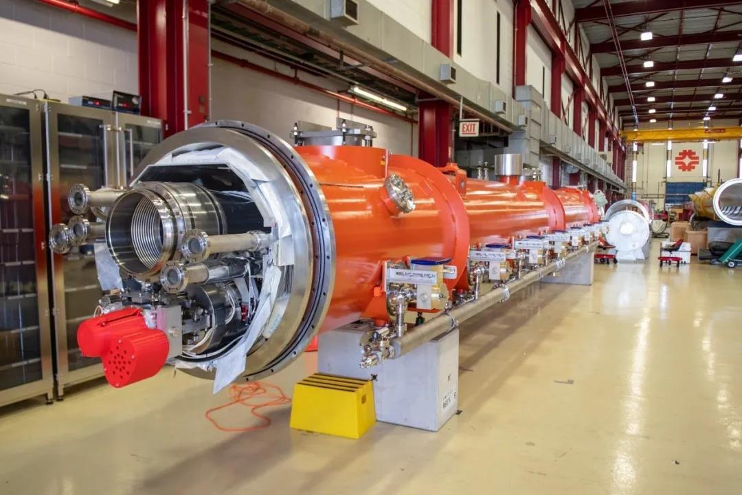 费米为世界上最强大的激光器制造超导粒子加速器组件
