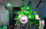 松山湖材料实验室成功研制先进激光镀膜设备