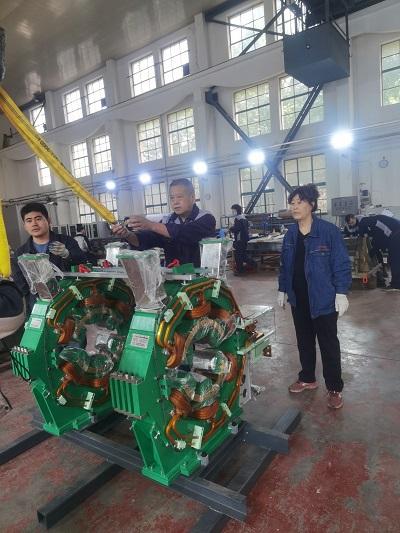 <p>CSNS-RCS校正四极磁铁与交流六极磁铁样机完成出厂验收</p>