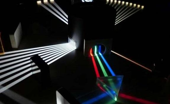 研究人员模拟了产生伽马射线梳状体的新方法