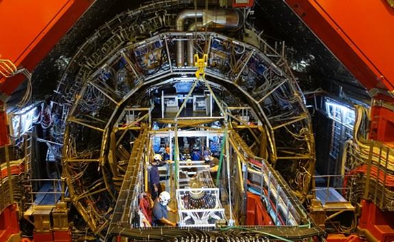 ALICE发现在大型强子对撞机中粲强子化有所不同